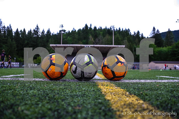 x2019-05-18 Issaquah Boys Soccer vs Mount Si