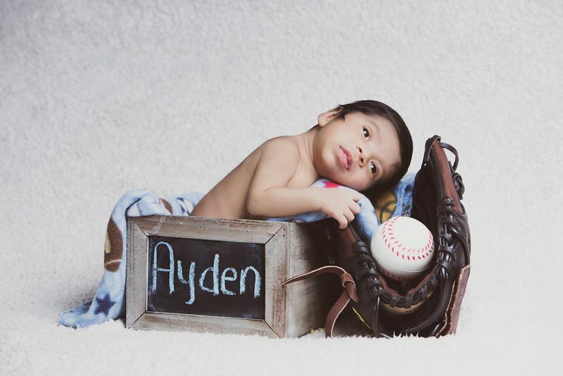 baby-ayden-new-born-portrait_0032.jpg