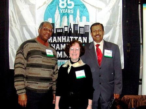 Gregory Burrus with Volunteers at Manhattan Chamber of Commerce  Members.jpg