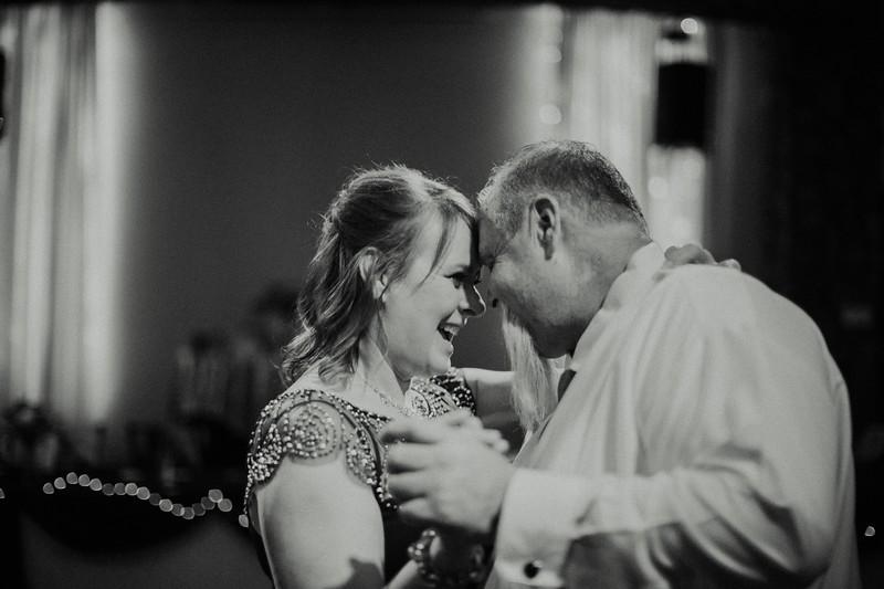 Melissa+Kyle_Wed753-2018.jpg