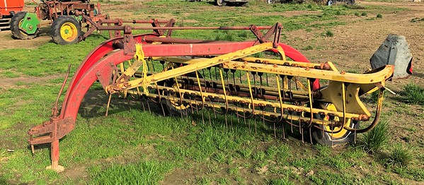 New Holland 256 Side delivery rake#47