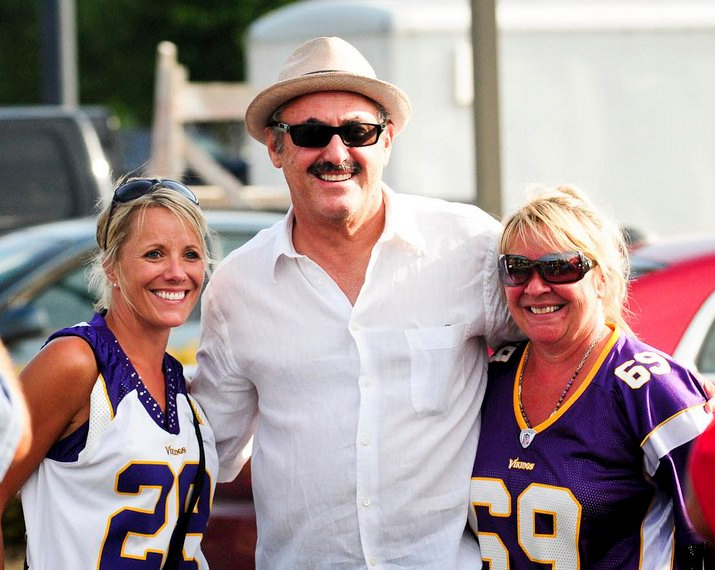 ". <p>5. (tie) ZYGI WILF <p>Vikings stadium construction will have to wait until we�re done with his cavity search. (unranked) <p><b><a href=\'http://www.twincities.com/localnews/ci_23924966/minnesota-vikings-stadium-timetable-get-updated\' target=""_blank\""> HUH?</a></b> <p>    (Pioneer Press: Ben Garvin)"