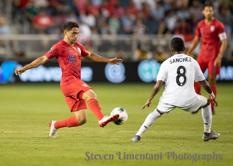 Cristian Roldan #15, Marcos Sanchez #8