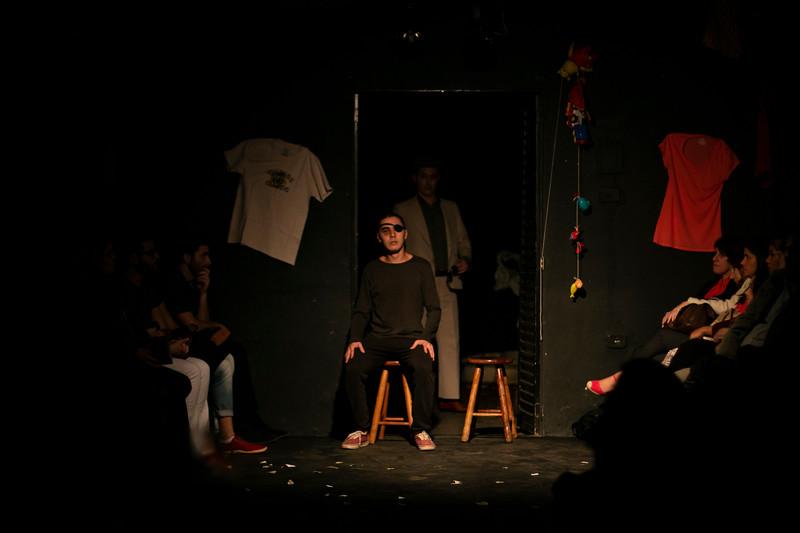 Allan Bravos - Fotografia de Teatro - Indac - Migraaaantes-289.jpg