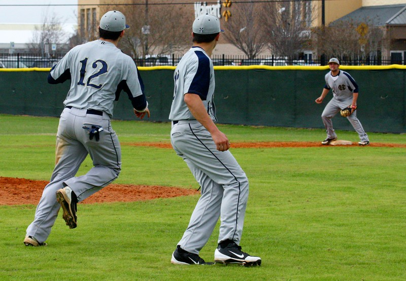 \\hcadmin\d$\Faculty\Home\slyons\HC Photo Folders\HC Baseball vs Ehret_2_4_12\SEL 197.JPG