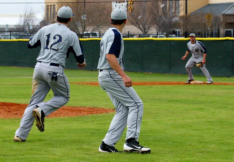 \\hcadmin\d$\Faculty\Home\slyons\HC Photo Folders\HC Baseball vs Ehret_2_4_12\SEL 197.JPG
