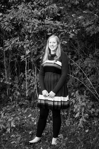 LaurenHarkema-Senior_006-BW.jpg