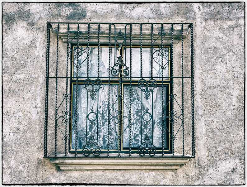 Blue Window, Pozos