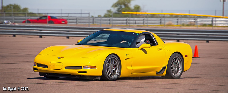 Corvette-Yellow-2127.jpg