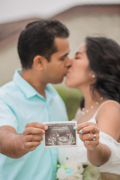 Maternity Shoot-1063.jpg