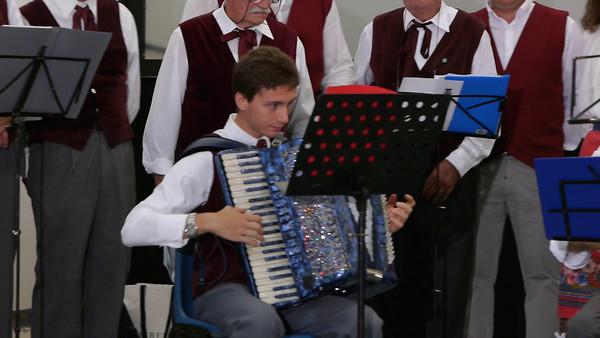 """Sestri Levante - Concerto del gruppo folk """"O castello"""" di Favale di Malvaro"""