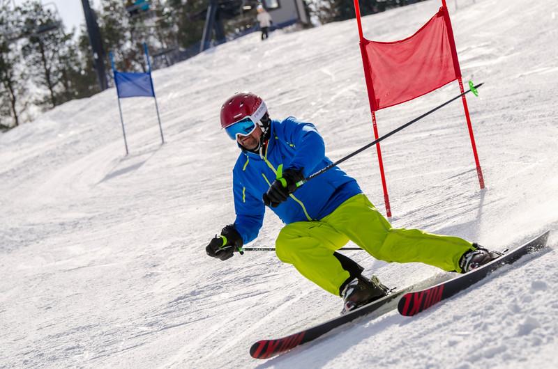 Standard-Races_2-7-15_Snow-Trails-147.jpg