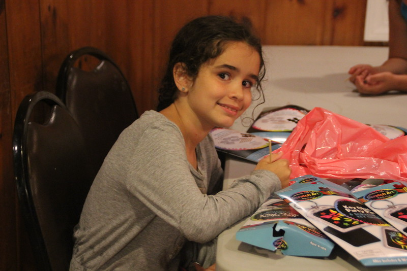 kars4kids_thezone_camp_girlsDivsion_activities_ArtN'Crafts (13).JPG