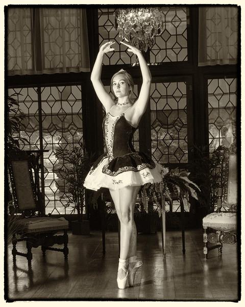 Ballerina Nik U.jpg