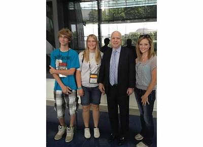 We met John McCain at the Newstum!!