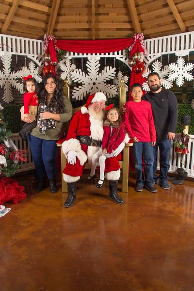 Santa 12-16-17-324.jpg