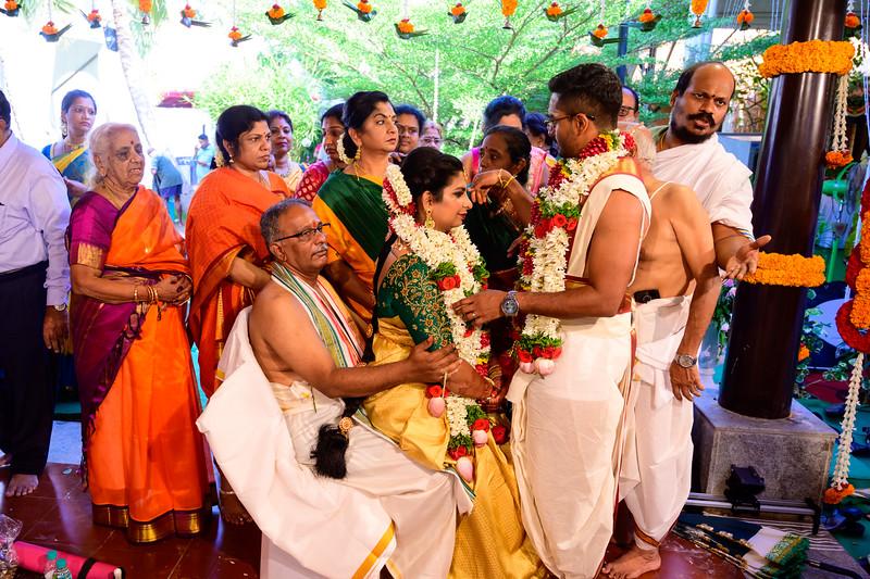 2019-12-Ganesh+Supriya-5573.jpg