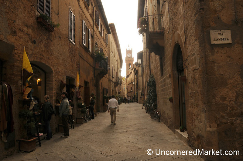 A Walk Through PIenza - Tuscany, Italy