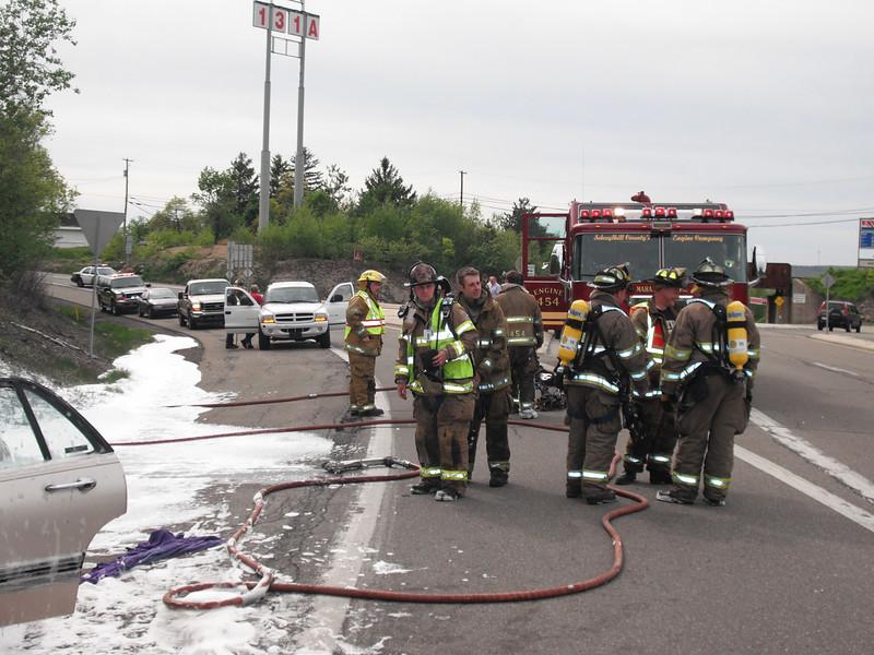 mahanoy township vehicle fire2 5-7-2010 005.JPG