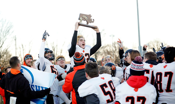 Lee defeats Ware for Western Mass. D8 football championship-111619