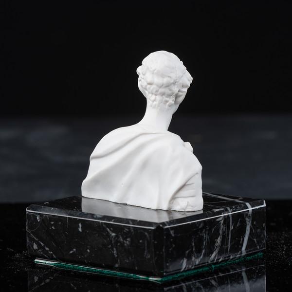Statue-5-502.jpg
