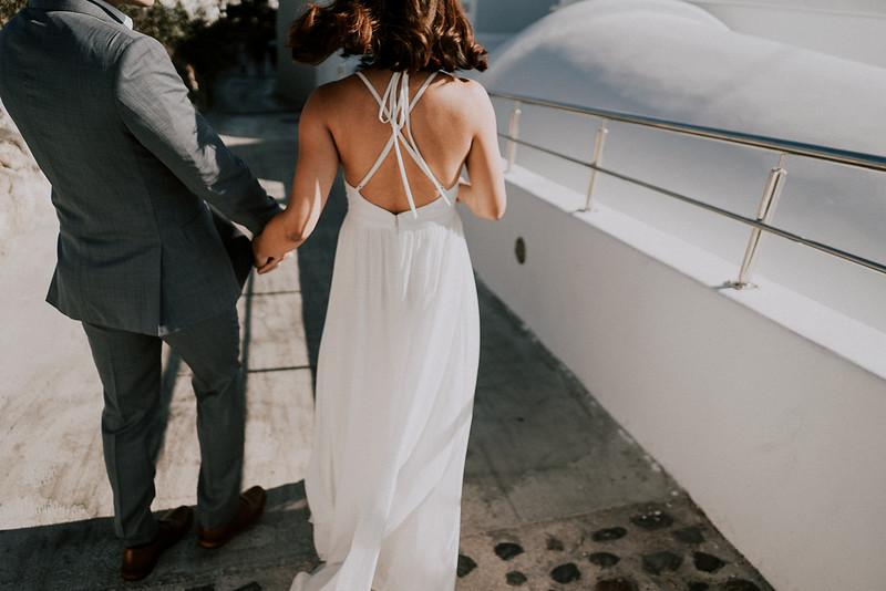 Tu-Nguyen-Destination-Wedding-Photographer-Santorini-Elopement-Alex-Diana-31.jpg