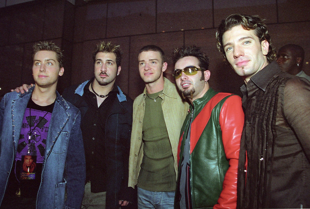 ". \'N Sync arrives for Michael Jackson\'s ""30th Anniversary Celebration, The Solo Years\"" concert at New York\'s Madison Square Garden Friday, Sept. 7, 2001. From left are Lance Bass, Joey Fatone, Justin Timberlake, Chris Kirkpatrick, and J.C. Chasez. (AP Photo/Tina Fineberg)"