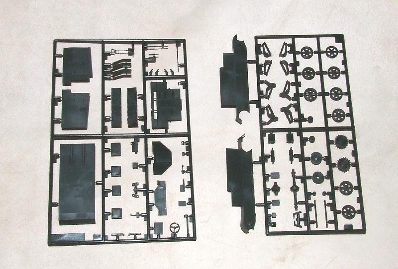 RAF carrier, 02s.jpg