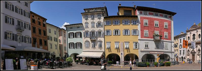 Trento - Piazza Duomo e Fontana del Nettuno