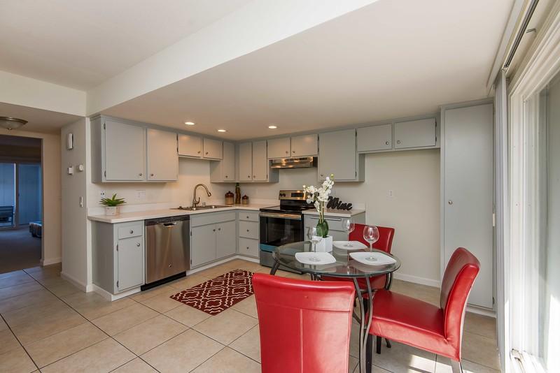 DSC_4370_kitchen.jpg