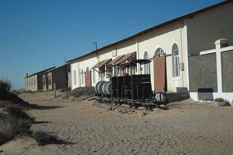 Kolmanskop - Leslie Rowley