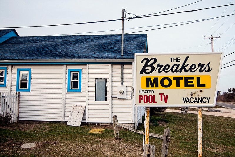 sd_mtk_breakers_motel001.jpg