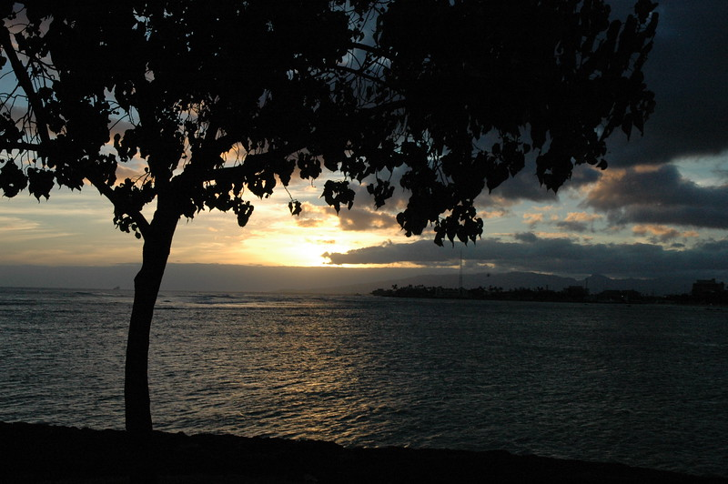 Hawaii - Ala Moana Beach Sunset-52.JPG