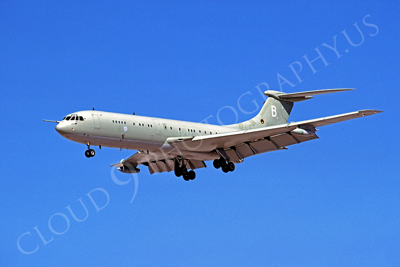 BAC VC10 00002 BAC VC10  British RAF October 1966 by Peter J Mancus.JPG