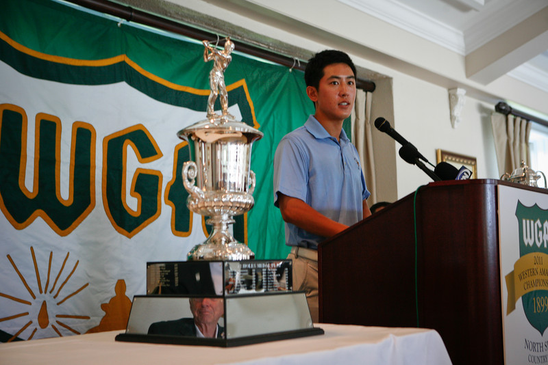 Defending Western Amateur Champion David Chung fields questions from local sports reporters.