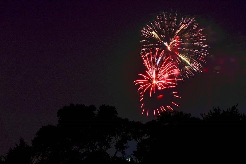 2014-07-03 Creekwood Mansfield Fireworks 021.jpg