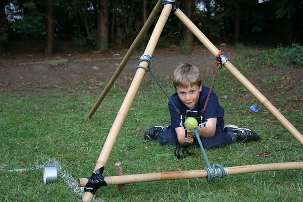 Rikki Pack - Tennisball Catapults