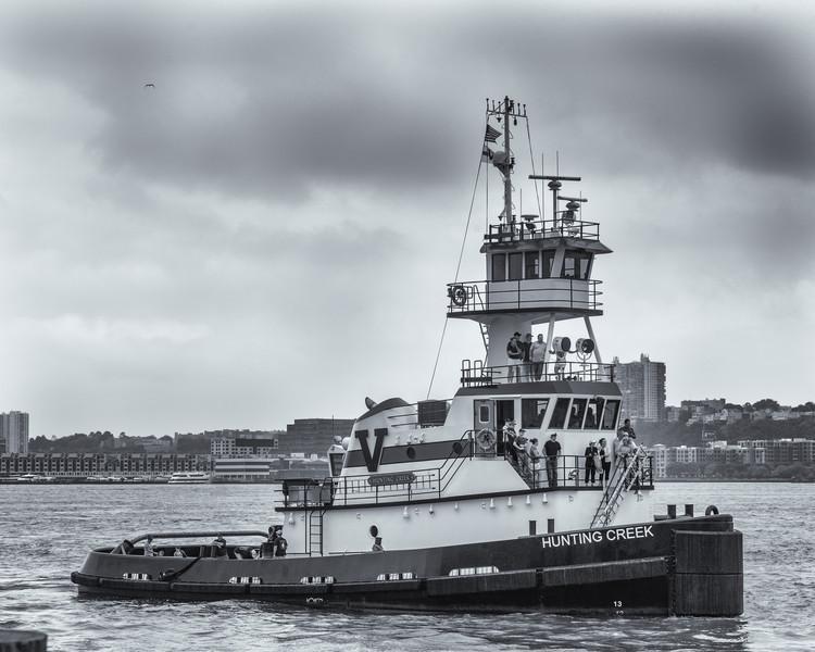 2013TugboatRaceAndFestival-5