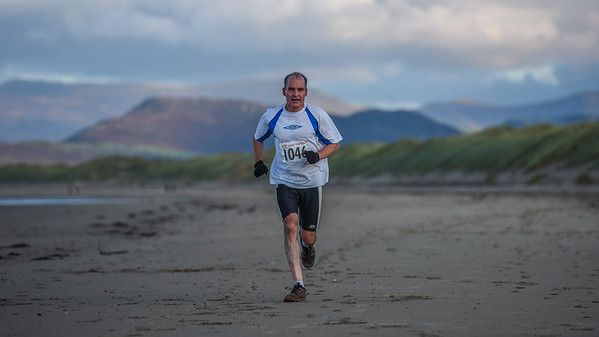 Harlech Aquathlon - Beach Run Before Turnaround