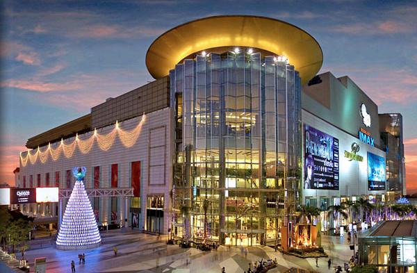 bangkok-shopping-malls-flickr-copyright-khunBhun1.jpg