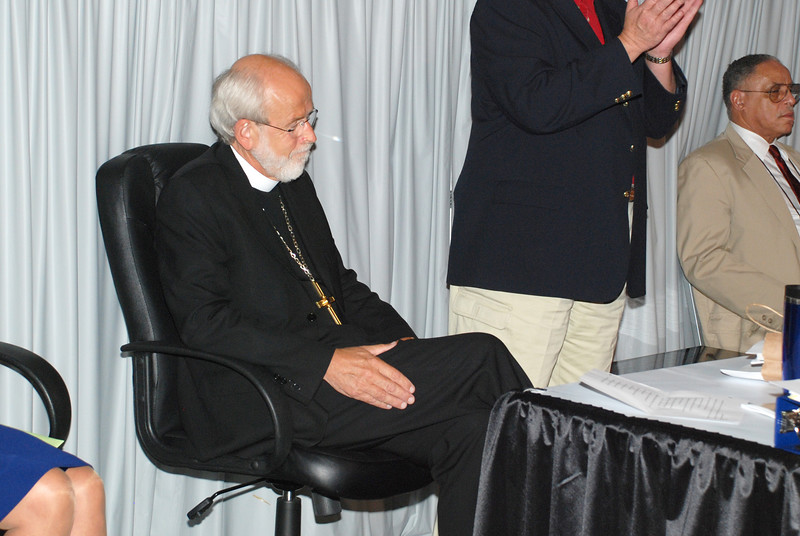 Bishop Hanson, seconds after being re-elected!