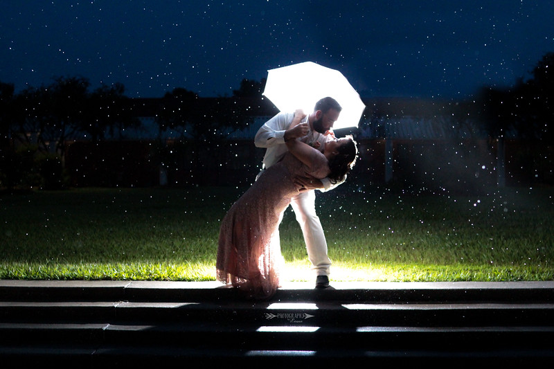 Rainy-Day Wedding-Photography-By-Laina-Tampa-Bay-Central-Florida-Wedding-And-Family-Photographer-2.jpg