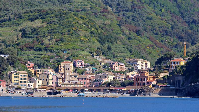 Italy-Cinque-Terre-Monterosso-Al-Mare-01.JPG