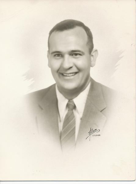 Ellis Sullivan 1954.jpg