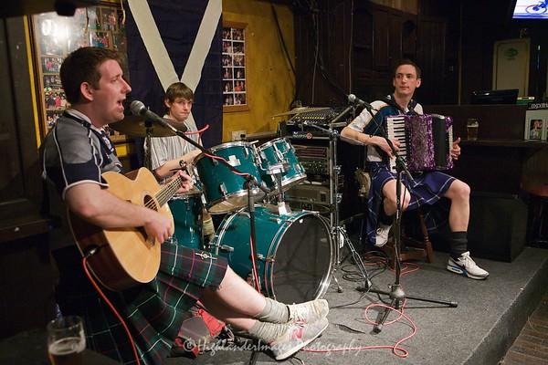 Gary Innes Band at Finnegans