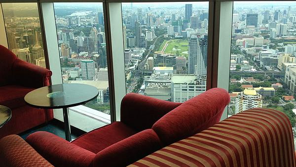 observation-lounge-baiyoke-sky-hotel-david-mckelvey-flickr.jpg