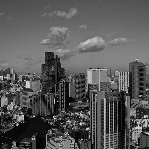 (29) Tokyo Skyline with clouds - Version 2.jpg