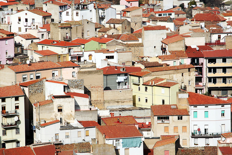 Aggius-sardinia-rooftops-close-up.jpg