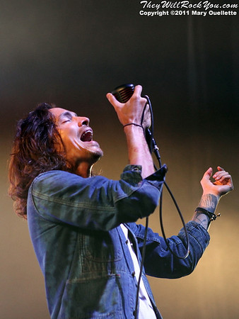 Incubus <br> September 9, 2011 <br> Comcast Center - Mansfield, MA <br> Photos by:  Mary Ouellette