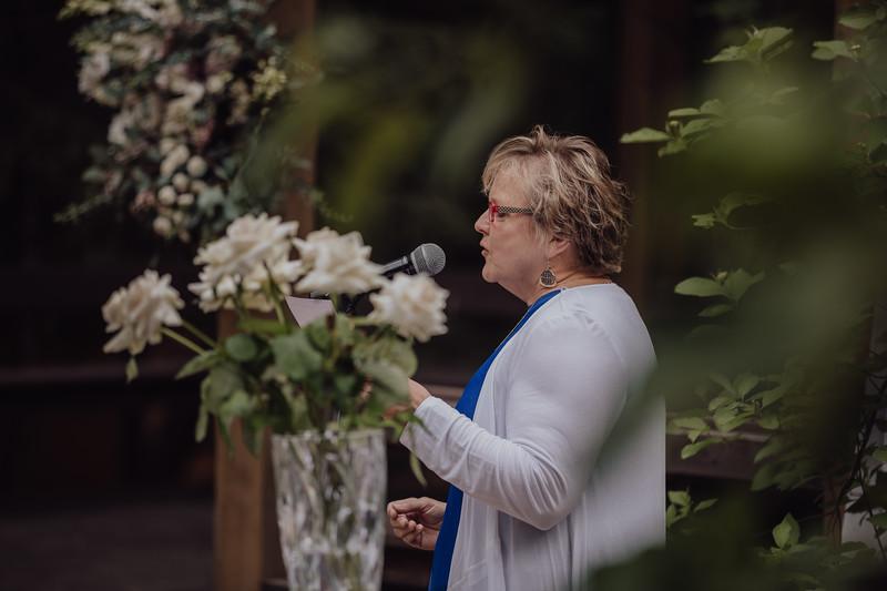 2018-05-12_ROEDER_JulieSeth_Wedding_ROEDER2_0031.jpg